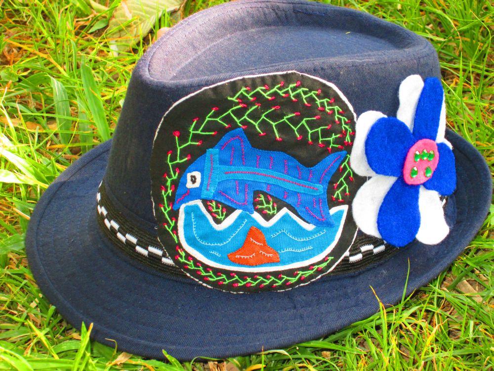 molas-hat